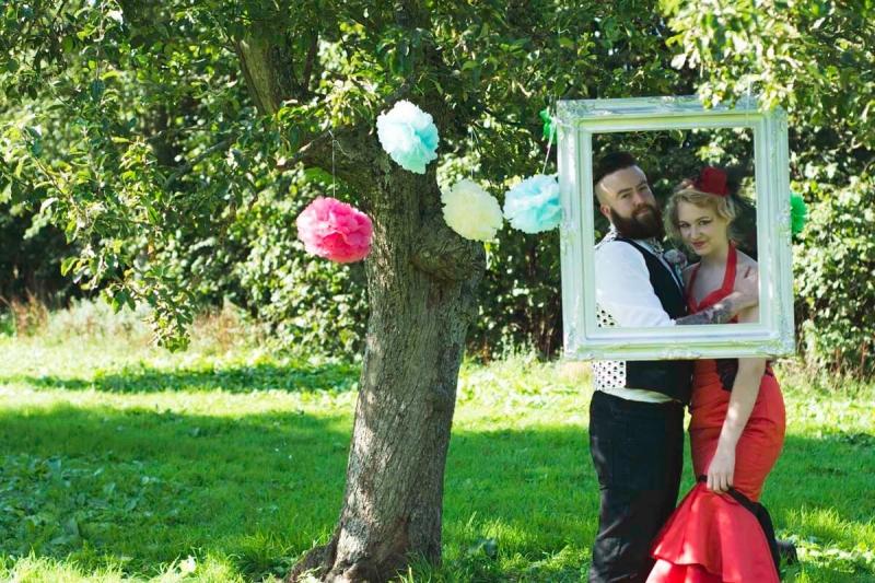Alternative bride and groom